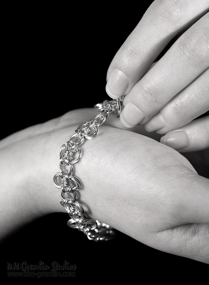 Endless-sterling-silver-chinese-knot-chainmaille-bracelet-hui-designs-model