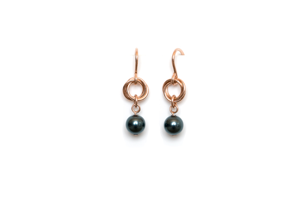 Tahatian-Pearl-Rose-Gold-Filled-Link-&-Chain-Chainmaille-Drop-Earrings-Hui-Designs