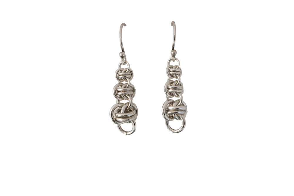 graduated-barrel-sterling-silver-chainmaille-earrings-hui-designs